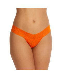 HANKY PANKY SIGNATURE LACE LOW RISE THONG IN SATSUMA