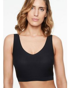 CHANTELLE SOFT STRETCH PADDED V-NECK BRA TOP IN BLACK